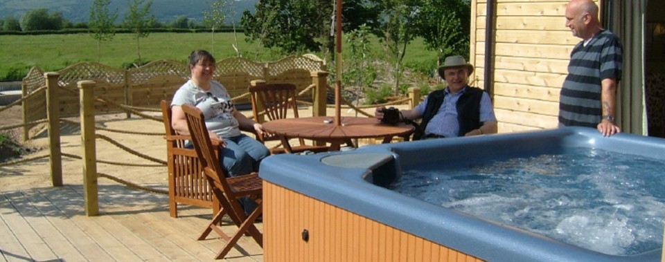 FABULOUS HOLIDAY RENTALS WITH PRIVATE HOT TUBS  Wallow in your own private hot tub.