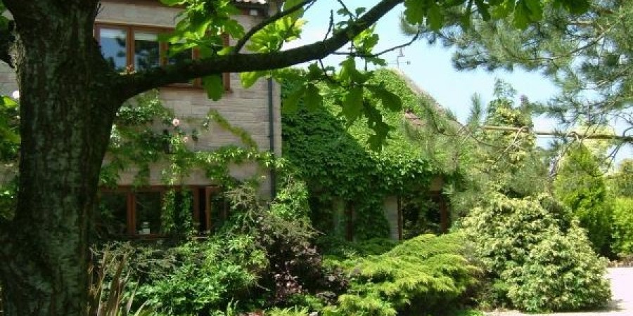 Set in the peaceful surroundings of the Somerset Levels